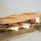 Restaurant B-Crek, amanides, entrepans i sucs - ef7df-B-Crek_Rustic-d-Olot-amb-llom-adobat--formatge-gouda--i-baco.jpg